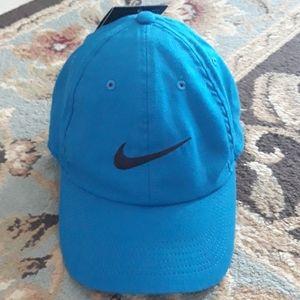 Nike Heritage dri-fit ladies hat